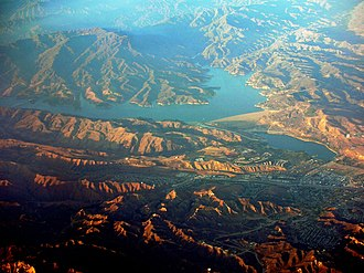 Castaic Creek - Image: Castaic Lake California 01