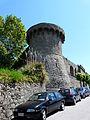 Castiglione di Garfagnana-mura e torri1.jpg