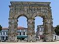 Charente-Maritime Saintes Arc Germanicus - panoramio.jpg
