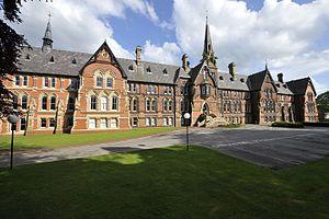 Cheadle Hulme School - Image: Cheadle Hulme School, Main Building, Front