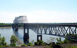 Chester IL Mississippi River bridge 3324.jpg