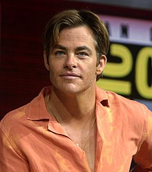 Chris Pine at the 2018 Comic-Con International 2 (cropped 02).jpg