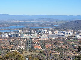 Civic viewed from Mount Ainslie June 2014.jpg