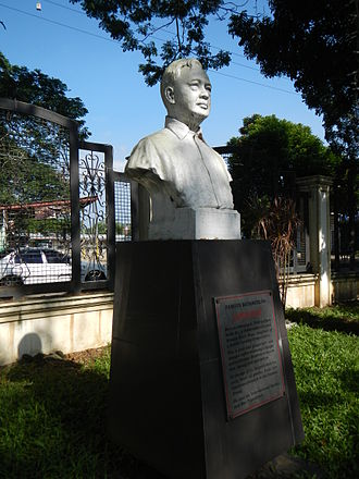Claro M. Recto - Image: Claro M. Recto bust and plaque at the Historical Park