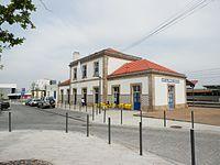 Closer view of Castelo Branco train station.jpg