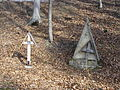 Cmentarz wojskowy z I wojny światowej na wzgórzu Pustki (Łużna) 14.JPG