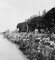 Collectie NMvWereldculturen, TM-20000915, Negatief, 'Het kanaal langs de Jalan Sultan Agung', fotograaf Boy Lawson, 1971.jpg