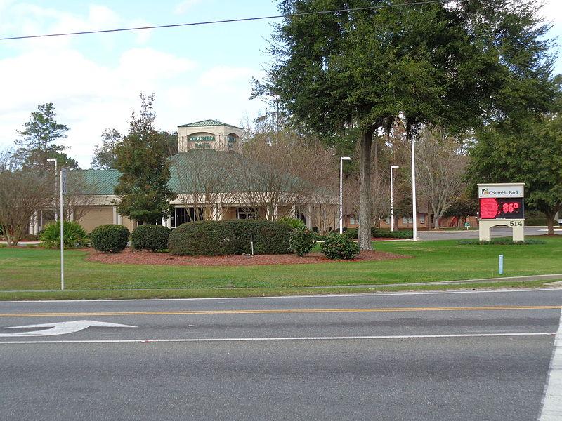 File:Columbia Bank, 540 FL47, Lake City.JPG