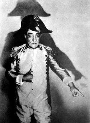 Constantin Tănase - Constantin Tănase playing Napoleon
