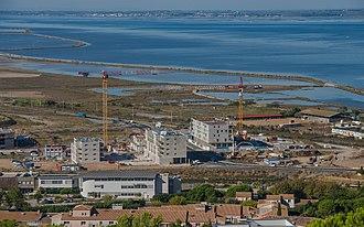 Liebherr Group - Image: Construction in Sète, Hérault 01