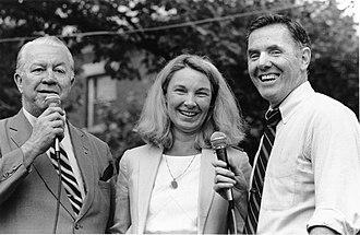 Dapper O'Neil - O'Neil (at left) with fellow councillor Maura Hennigan and Mayor Raymond Flynn (ca.1984–1987)