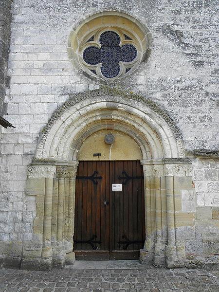 Église Saint-Martin de Courtisols (51). Façade ouest du collatéral sud.
