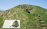 Cuween Hill, front external view, 2012 March.jpg