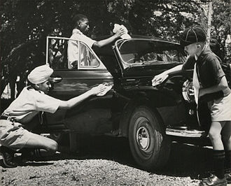 Tanzania Scouts Association - Dar es Salaam Boy Scouts cleaning cars