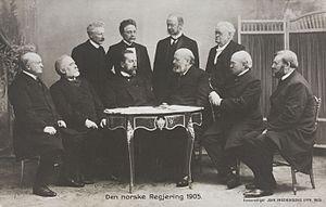 Edvard Hagerup Bull - The cabinet Michelsen. In the front, left to right: Olssøn, Arctander, Michelsen, Løvland, G. Knudsen, Vinje. Behind, left to right: Bothner, Bull, Lehmkuhl, Chr. Knudsen.
