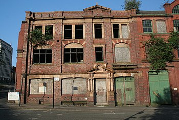 English: Derelict Building Derelict building o...