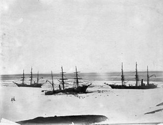 RRS Discovery - Discovery (centre) trapped by the ice in McMurdo Sound, accompanied by ''Morning'' (left) and ''Terra Nova'' (right) in February 1904.