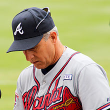 Doug Dascenzo Braves before game in Arlington Sept 2014.jpg