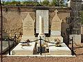 Druyes-les-Belles-Fontaines-FR-89-sépulture Lelu-1.jpg