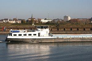 Duisburg - Am Bört - Ruhr - River Dance 03 ies.jpg