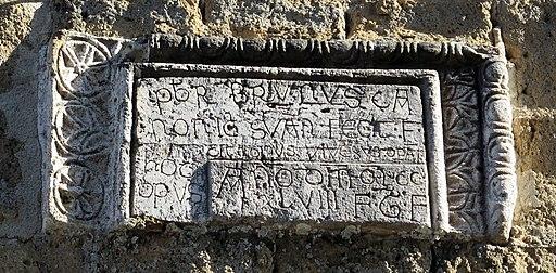Duomo di sovana, ext., abside 05 iscirzione