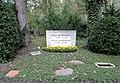 Ehrengrab Potsdamer Chaussee 75 (Niko) Willy Henneberg.jpg