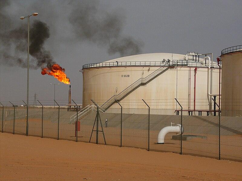 Газовый факел в Ливии