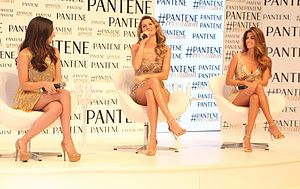 Pantene - Image: Embaixatrizes Pantene 002 (16090350988)