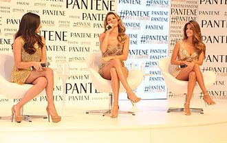 Pantene - The ambassadors of Pantene (from left to right: Ana Brenda, Gisele Bündchen and Stephanie Cayo)