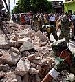 Enrique Peña Nieto visita una zona afectada por el sismo del 7 de septiembre3.jpg