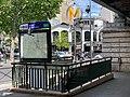 Entrée Station Métro Barbès Rochechouart Paris 4.jpg