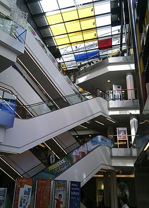 Renoma (Wrocław) - Escalators in Renoma