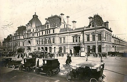 Constitution Plaza station in 1920. Yrigoyen lived on the nearby Avenida Brasil until his death in 1933. Years later, his house was demolished to make way for the Arturo Frondizi Highway Estacion Constitucion (ca 1920) AGN.jpg