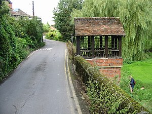 Little Stour - Image: Ethelburga's Well on Well Road geograph.org.uk 960720