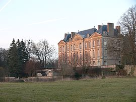 The chateau in Aulnois-sur-Seille