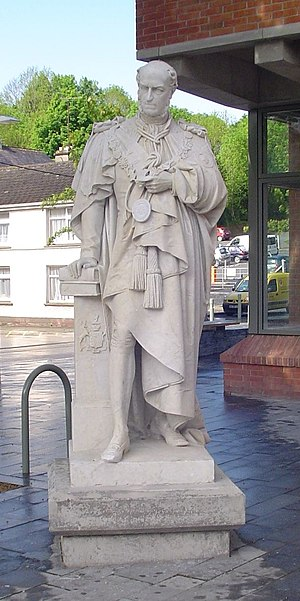 Henry Maxwell, 7th Baron Farnham - Statue of Henry Maxwell, Baron Farnham
