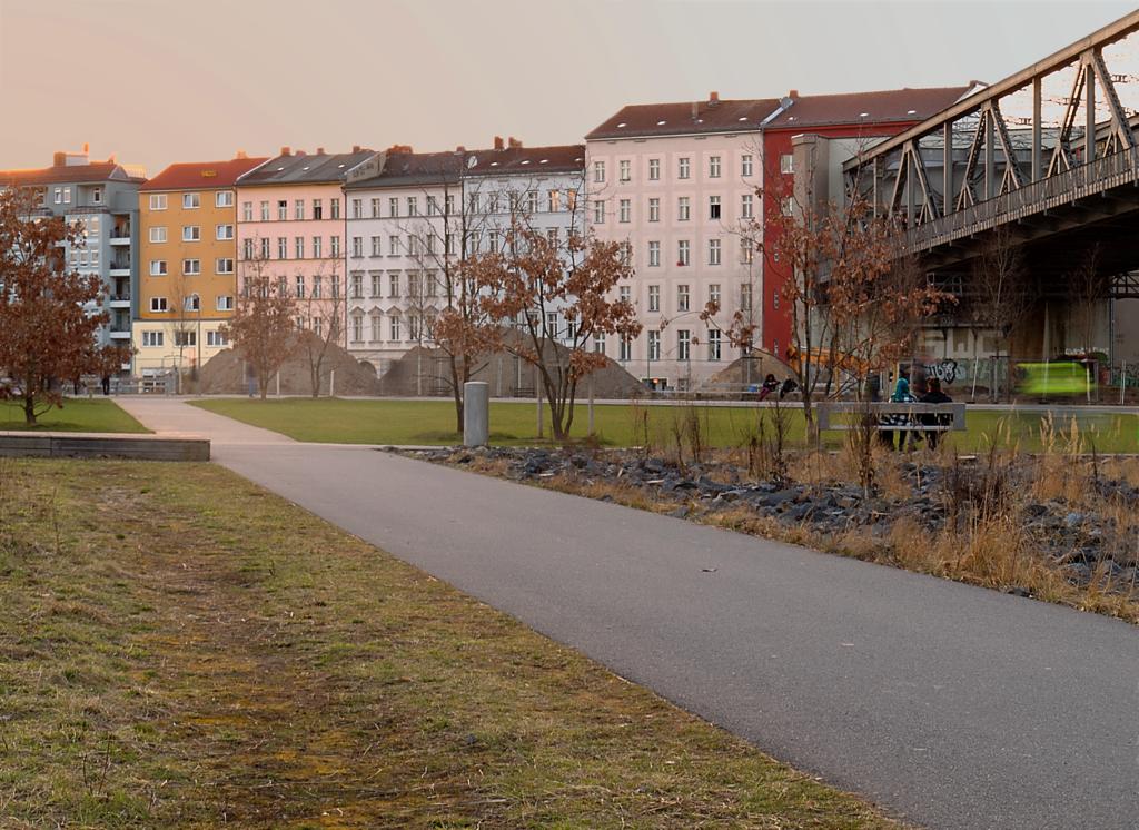 Tenement buildings in Flottwellstr. Berlin-Tiergarten (15 Mar 2017). Babewyn CC BY-SA 4.0.