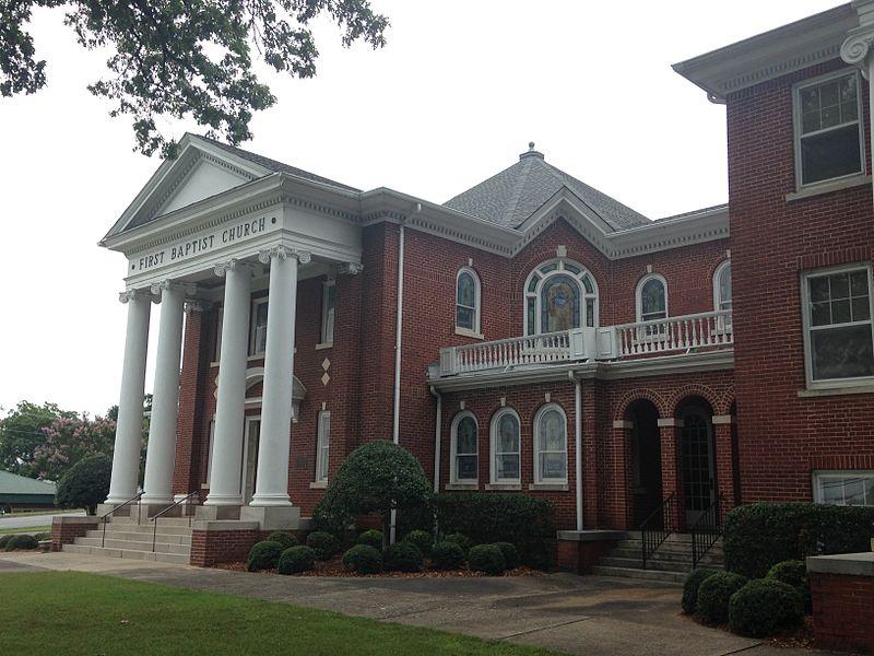 File:Forest City Baptist Church.JPG