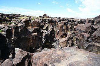 Fossil Falls - Image: Fossil Falls Coso Range