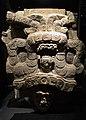 Fragment de l'estela 7 de Piedras Negras, museu Nacional d'Arqueologia i Etnologia de Guatemala.jpg