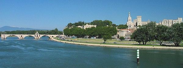 France Avignon Total 1.jpg