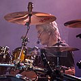 Frank Beard of ZZ Top performing in San Antonio, Texas 2015.jpg