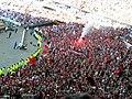 Fumigène au stade de france Finale top 14 2006 - panoramio.jpg