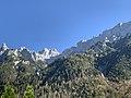 GER — BY — Landkreis Garmisch-Partenkirchen — Mittenwald — Alpenkorpsstraße 1 (Karwendelbahn Bergstation von der Talstation aus gesehen).JPG
