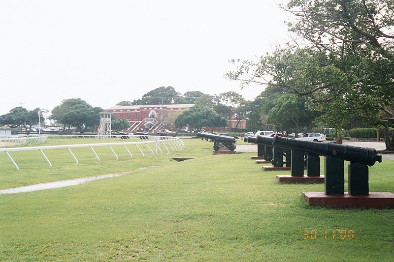 800px-Garrison_area_cannons%2C_Barbados.jpg