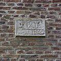 Gedeelte van bakstenen trapgevel met gevelsteen - Limbricht - 20337843 - RCE.jpg