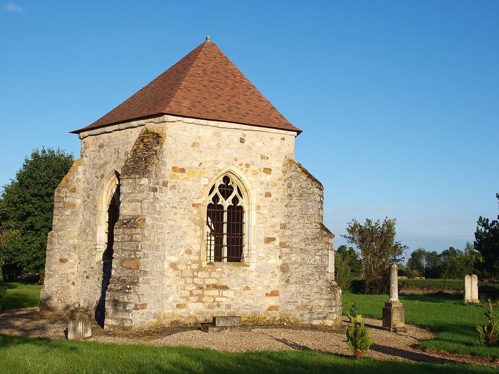 Par ordre alphabétique, des villes et des villages . - Page 11 1024px-Gisy-les-Nobles-FR-89-chapelle-06