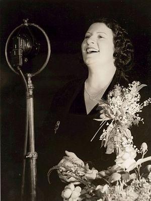 Gladys Moncrieff - Image: Gladys Moncrieff 2