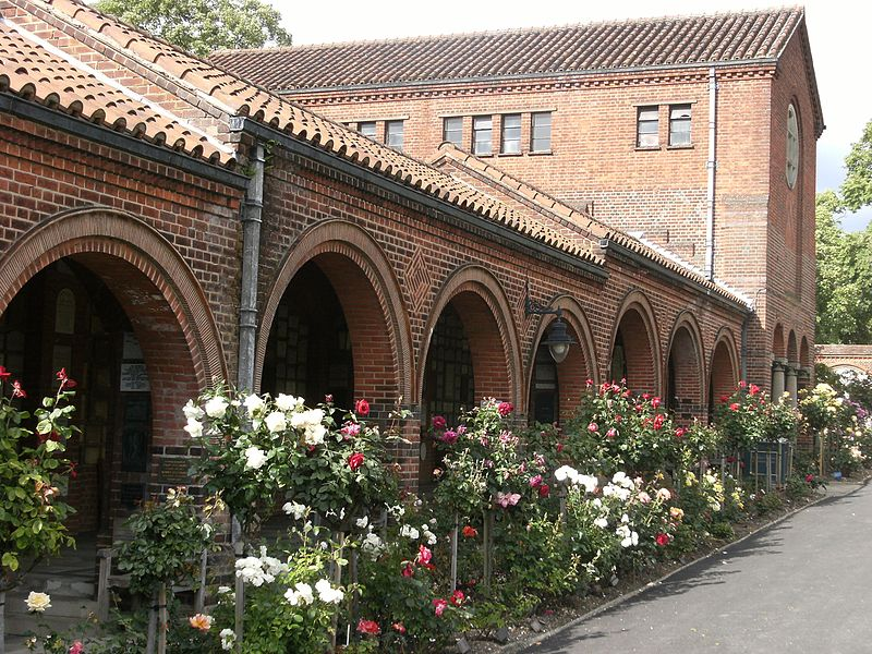 File:Golders Green Crematorium, London.jpg