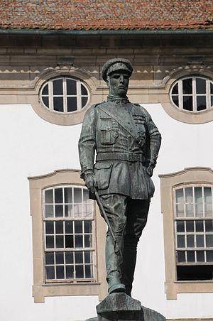 Manuel de Oliveira Gomes da Costa - Statue in Braga